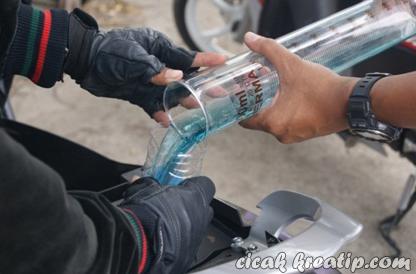 Beat FI kehabisan bensin dengan km 250,8 di jalanan sidoarjo