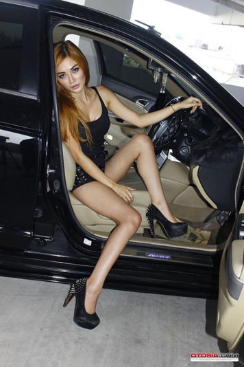 model_hin_malang_2014_1-20140915-006-otosia