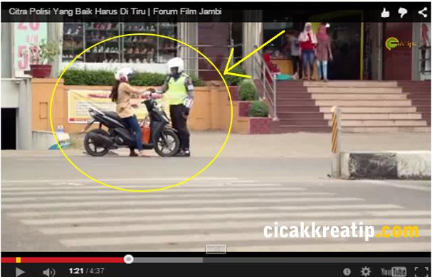 video polisi tilang istri