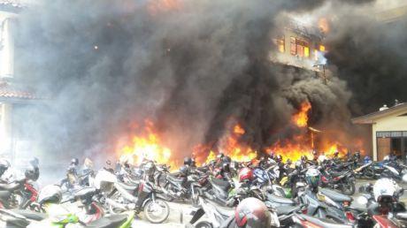 gedung polda jateng kebakaran4