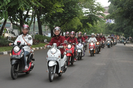 City-touring-komunitas-Fino-di-Bandung-cicak-kreatip-com