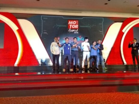 Yamaha-Nmax-jadi-Bike-of-The-Year-2016-Versi-Motorplus-Award-cicak-kreatip.com_